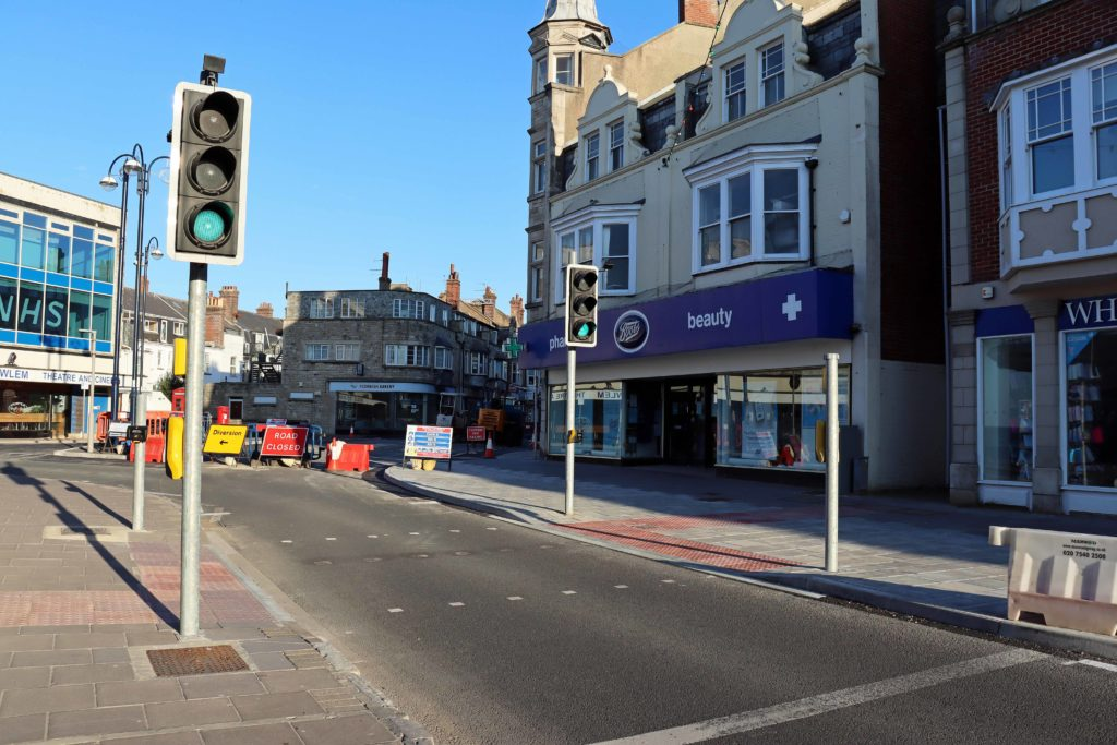 New pedestrian crossing in Station Road