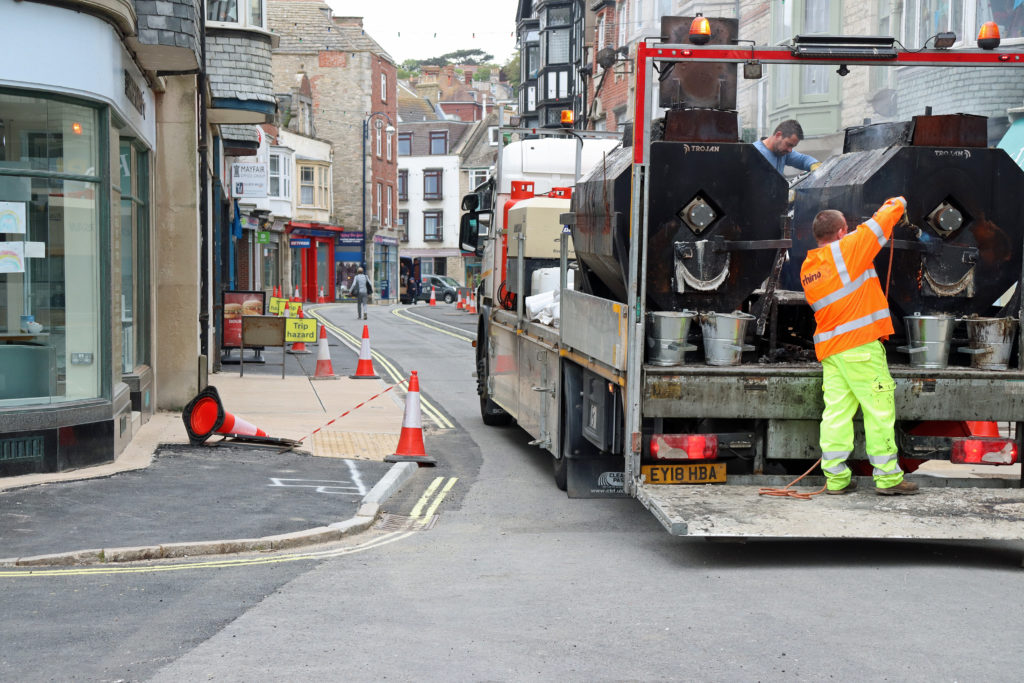 Work on Institute Road pavement