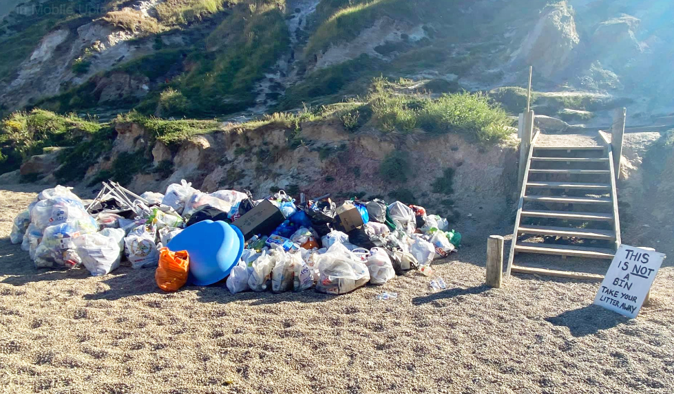 Rubbish at Durdle Door