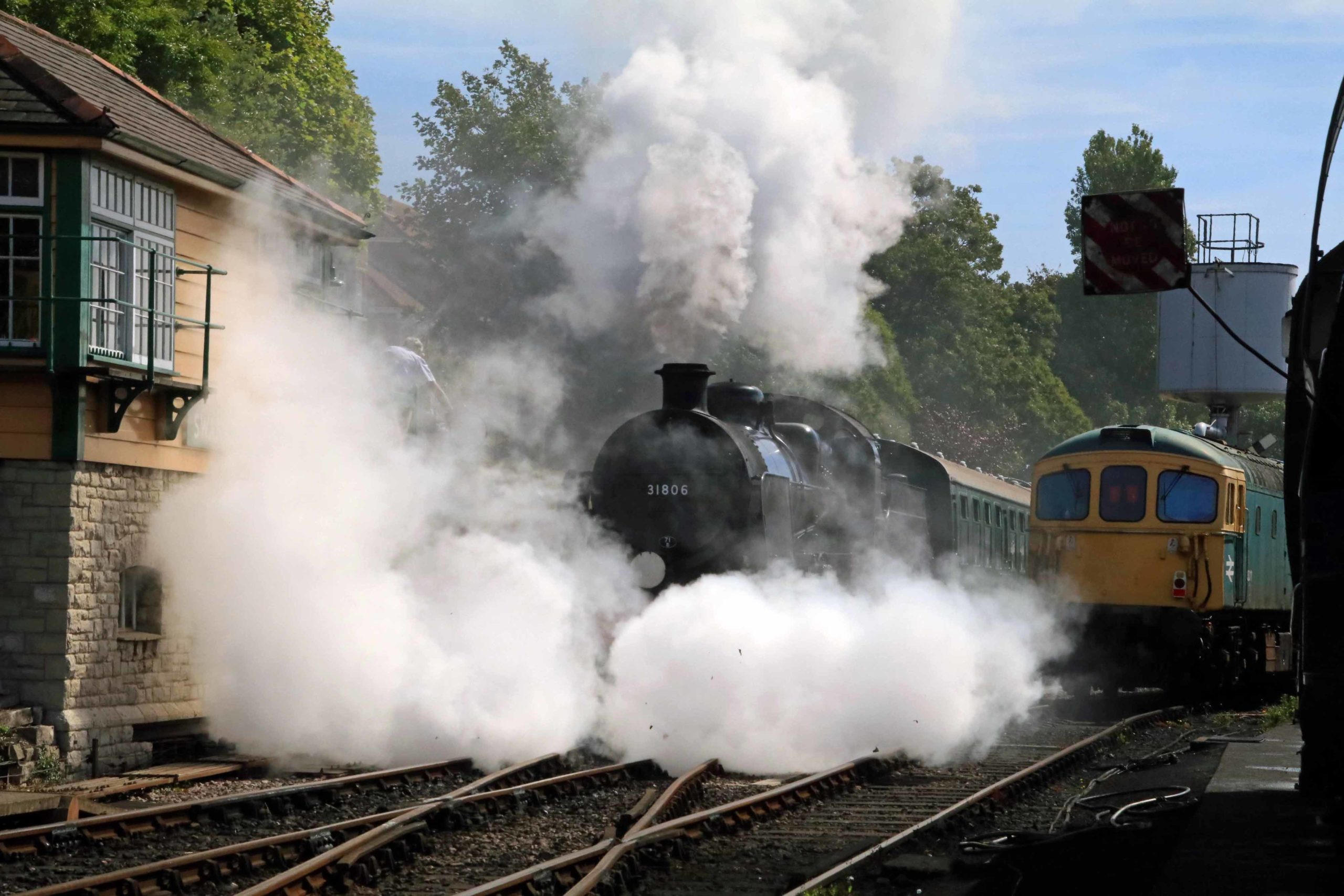 Sound of steam train whistle returns to Swanage again ...