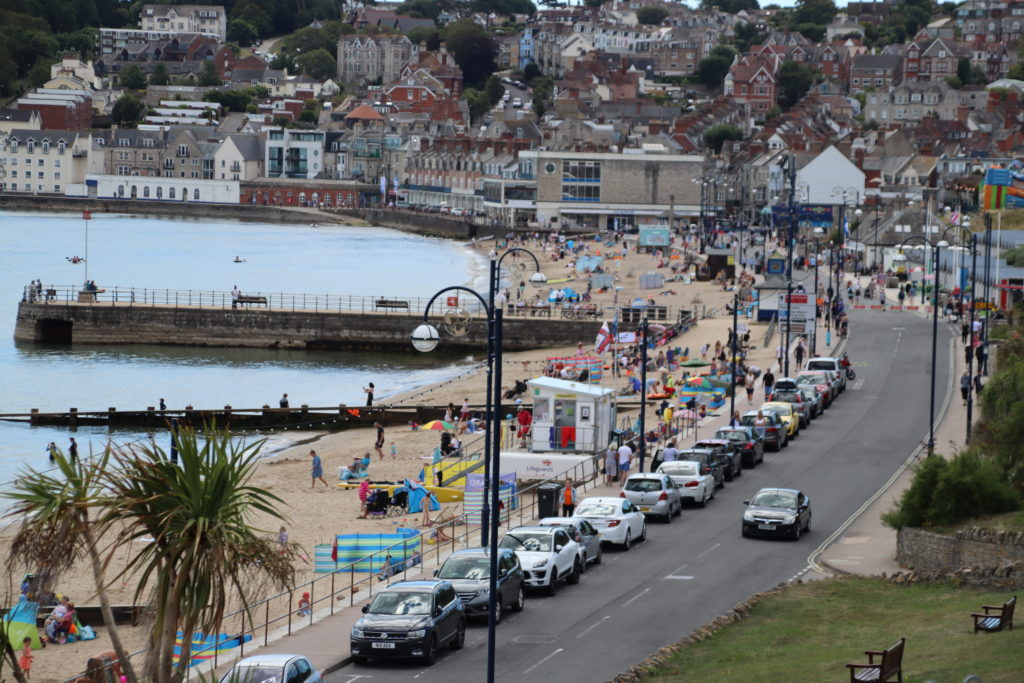 Busy Swanage seafront and lifeguard hut