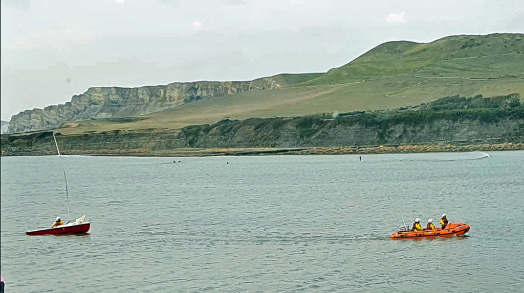 Dingy rescued by Swanage Lifeboat and Kimmeridge Coastguard