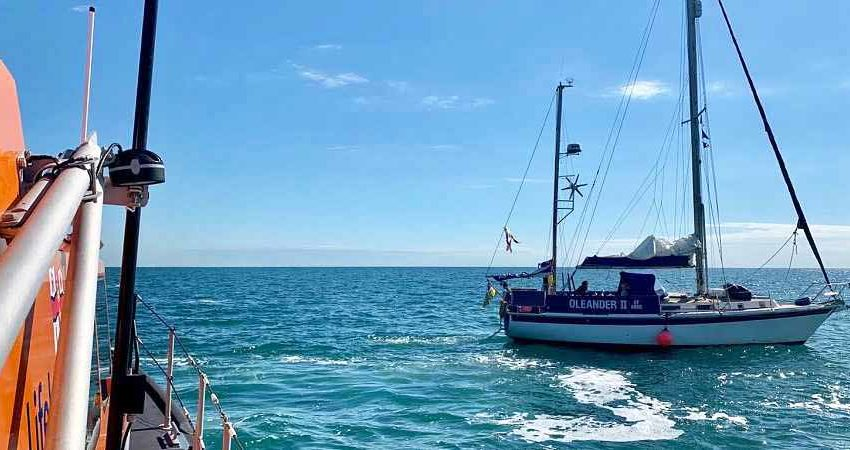 Yacht rescued by Swanage Lifeboat