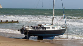 Yacht stuck on Swanage Beach