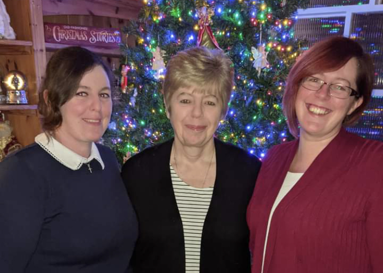 Natalie Terry, Julie Terry and Joanne Avery - who donated the tree