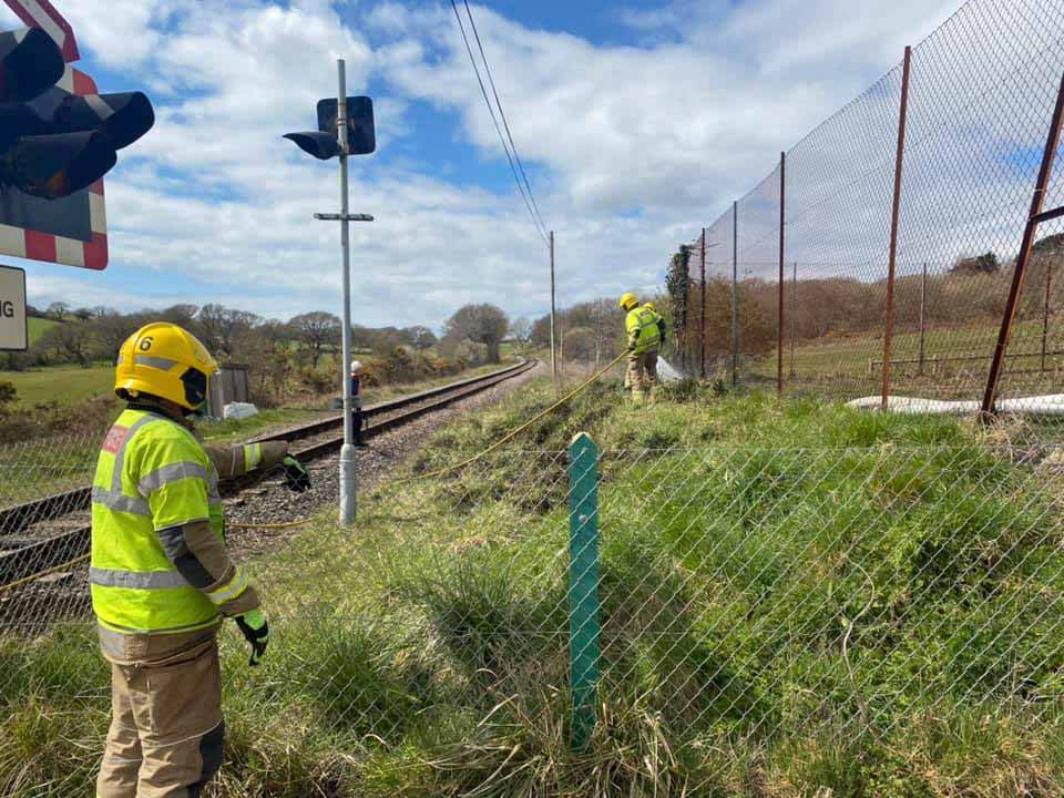 Swanage firefighters attend embankment fire