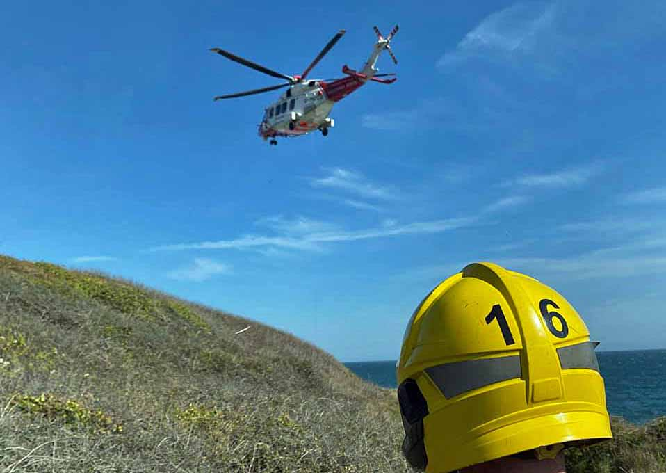 Helicopter Rescue of climbers at Winspit