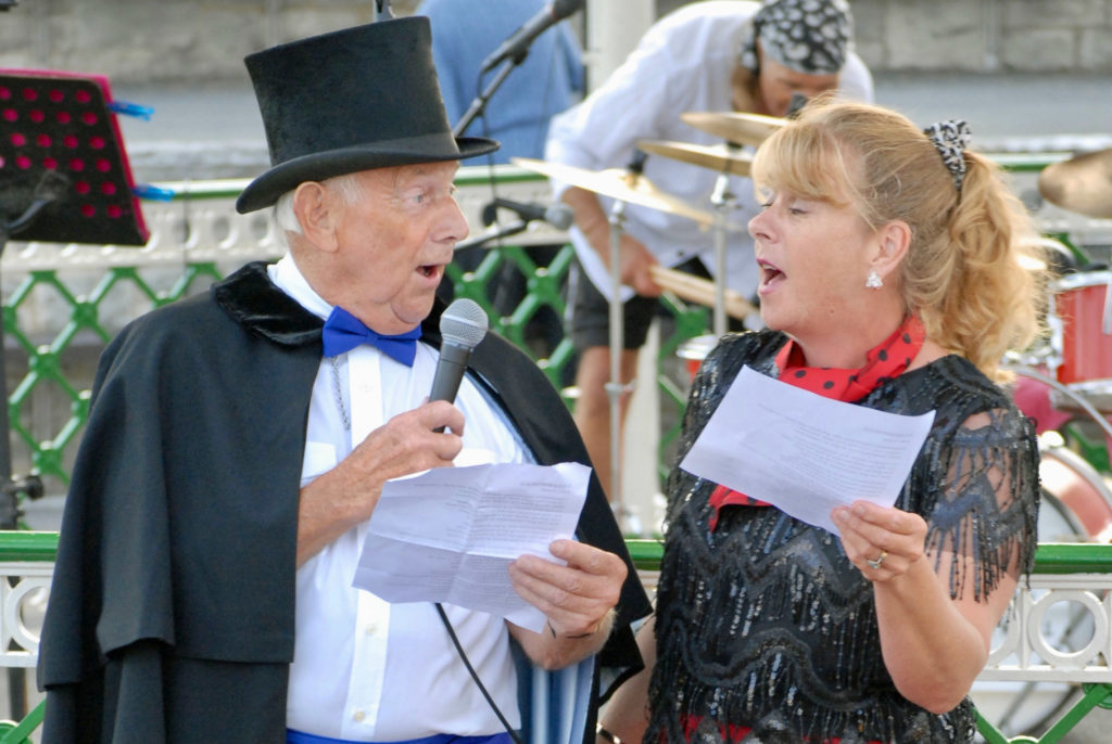Alan Houghton and Karen Grant at Swanage Bandstand