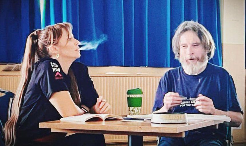 Rita (Kimberly Hart Simpson) and Frank (Keith Hill)